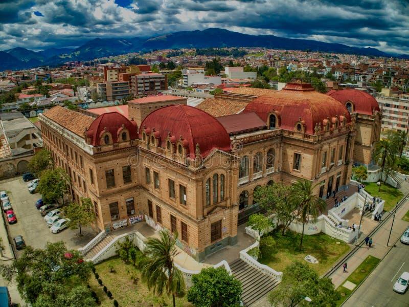 Vue aérienne de Benigno Malo High School à Cuenca, Equateur images stock