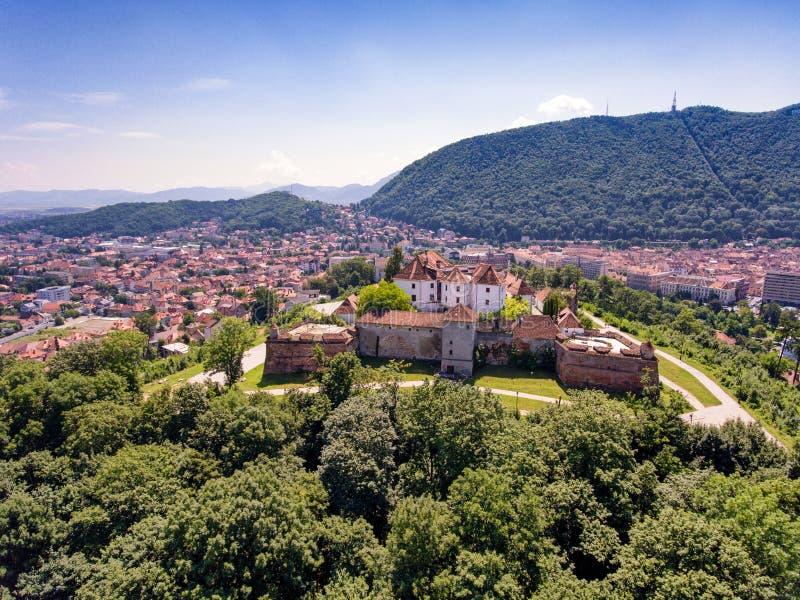 Vue aérienne de Brasov la Transylvanie Roumanie images libres de droits