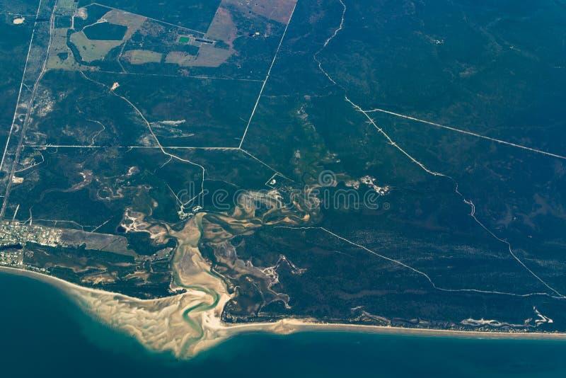 Vue aérienne de côte Queensland, Australie de Burrum images stock