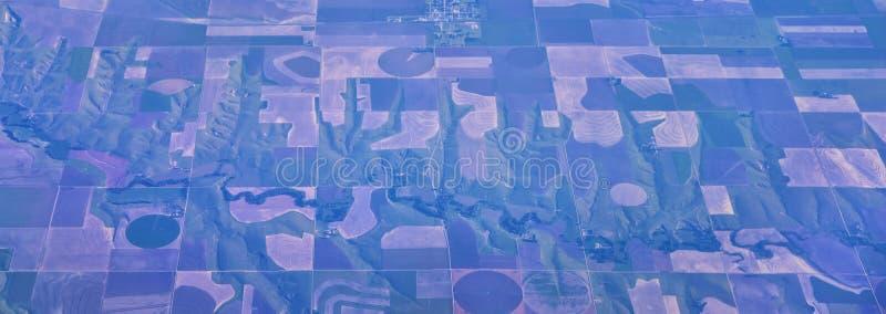 Vue aérienne de Cloudscape au-dessus des états de Midwest sur le vol au-dessus du Colorado, du Kansas, du Missouri, de l'Illinois image libre de droits