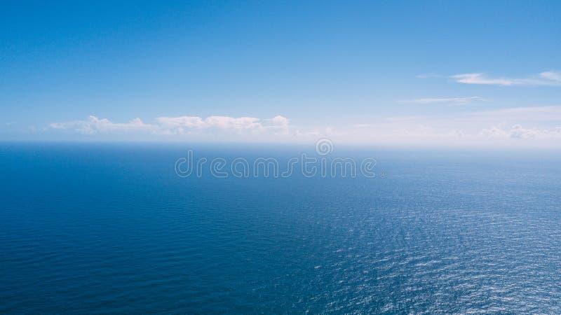 Vue aérienne de fond de texture de l'eau d'océan de mer photographie stock libre de droits