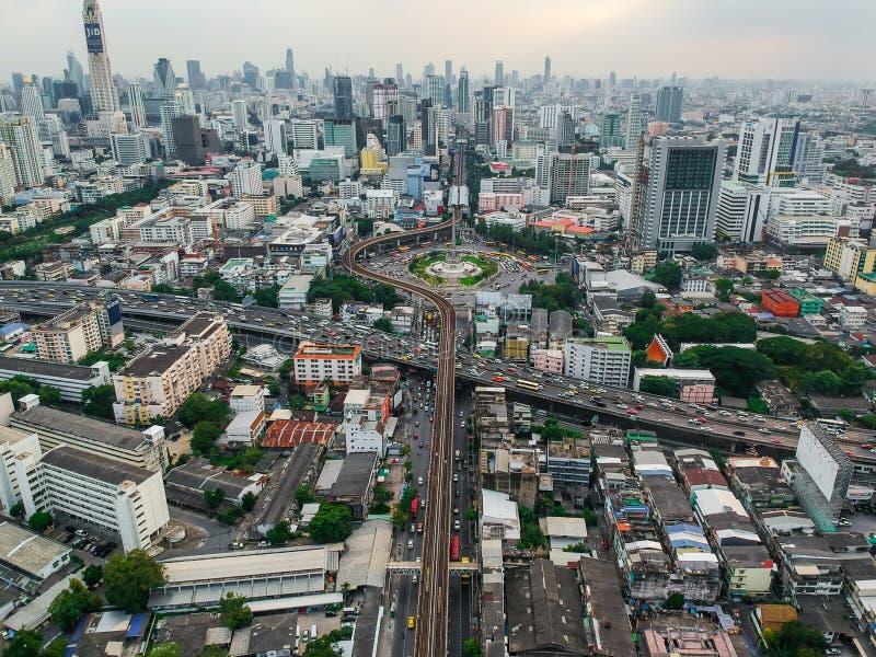 Vue aérienne de gratte-ciel de bâtiment de Bangkok au monument b de victoire images libres de droits