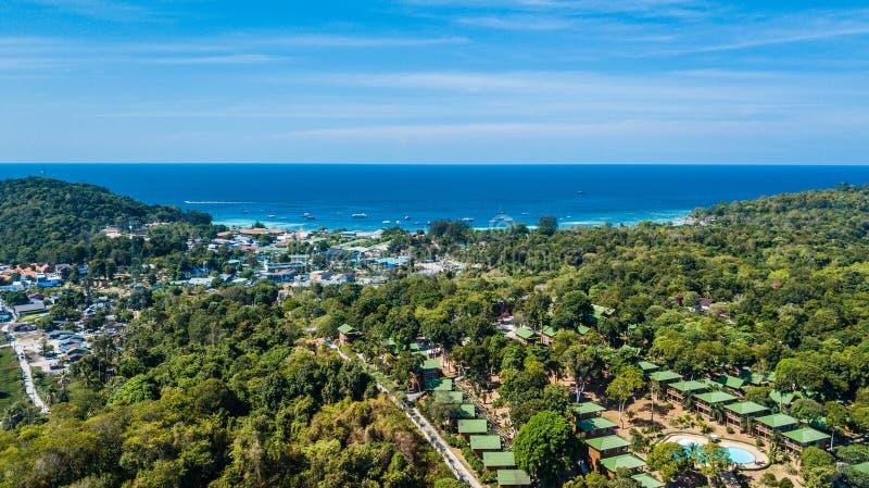 Vue aérienne de Koh Lipe, plage tropicale dans les sud de la Thaïlande photos libres de droits