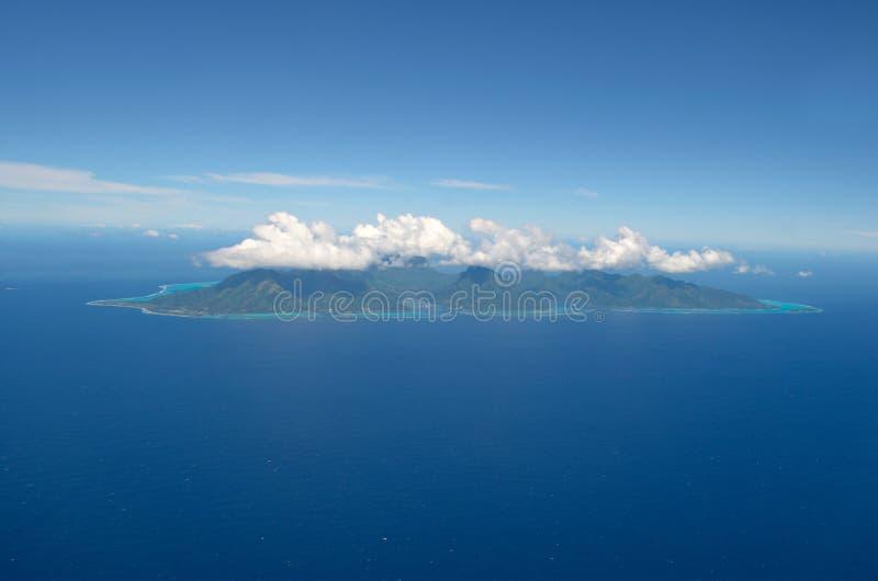 Vue aérienne de l'île tropicale de Moorea images libres de droits