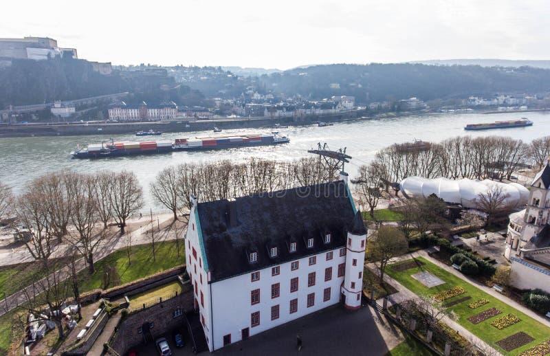 Vue aérienne de l'Allemagne du Groundstation funiculaire qui relie Coblence du centre à l'ehrenbreitstein de forteresse photo stock