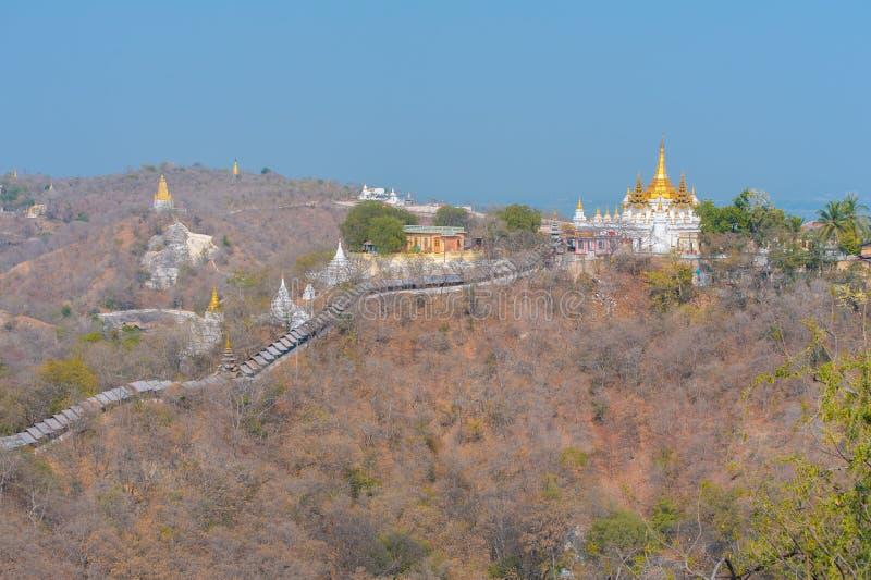 Vue aérienne de la colline sagaing image libre de droits