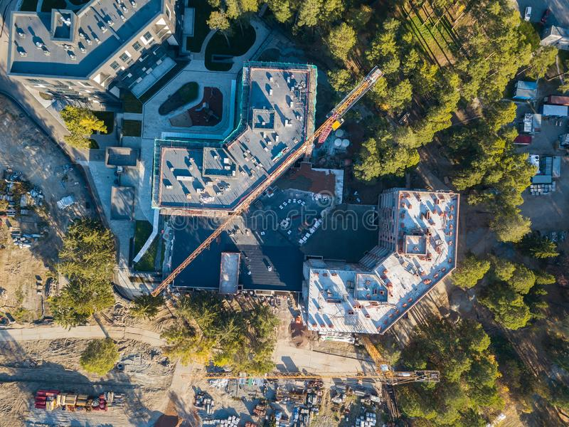 Vue aérienne de la construction de la construction résidentielle de l'élite trois photo libre de droits