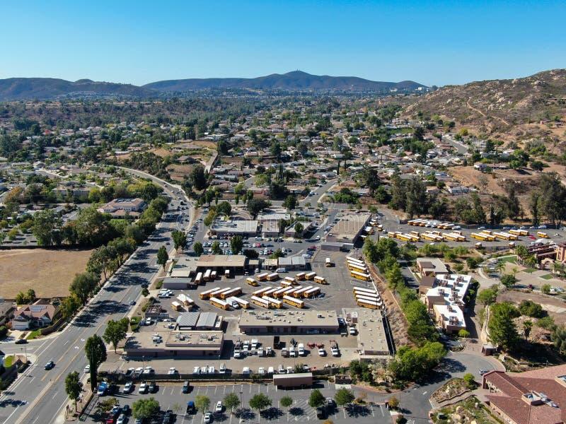 Vue aérienne de la petite ville de Poway dans la banlieue du comté de San Diego photos stock