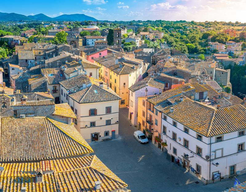 Vue aérienne de la vieille ville au coucher du soleil image libre de droits