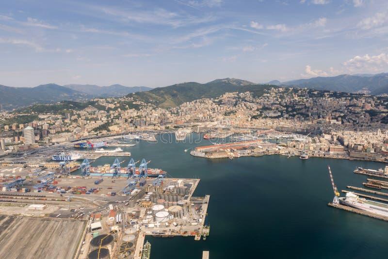 Vue aérienne de la ville de Gênes images libres de droits