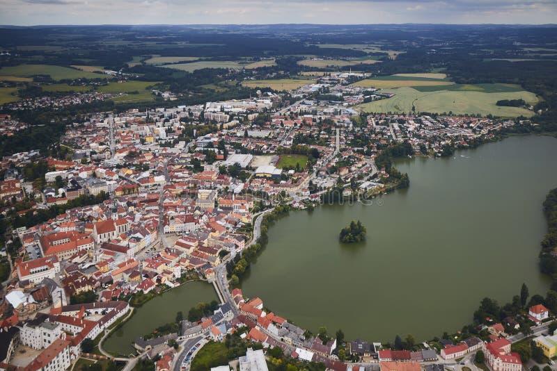 Vue aérienne de la ville Jindrichuv Hradec en Bohême du sud, République Tchèque images libres de droits