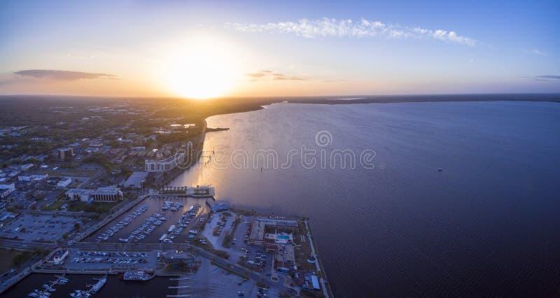 Vue aérienne de lac Monroe en Sanford Florida photo stock