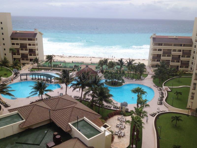 Vue aérienne de lieu de villégiature luxueux dans Cancun image libre de droits