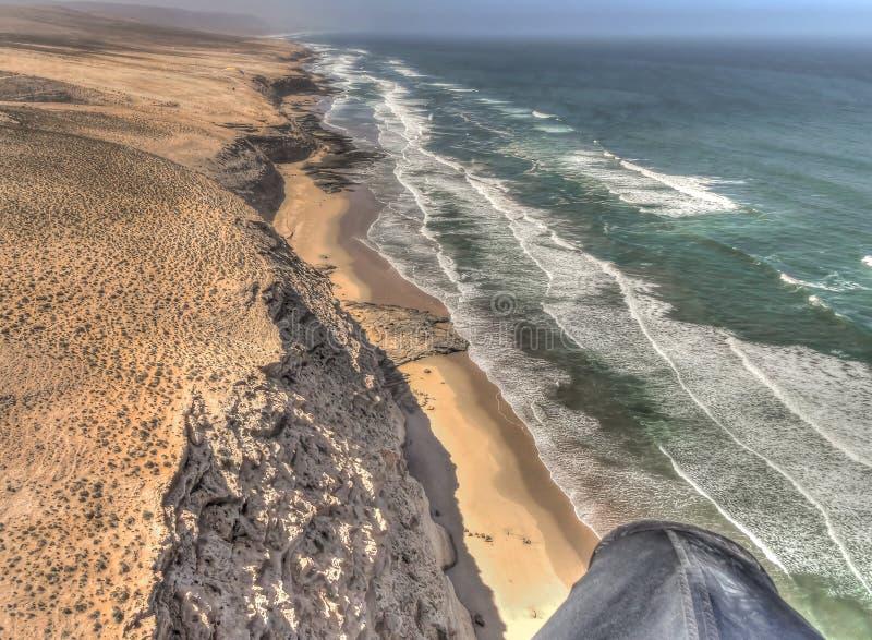 Vue aérienne de littoral africain le jour ensoleillé images libres de droits