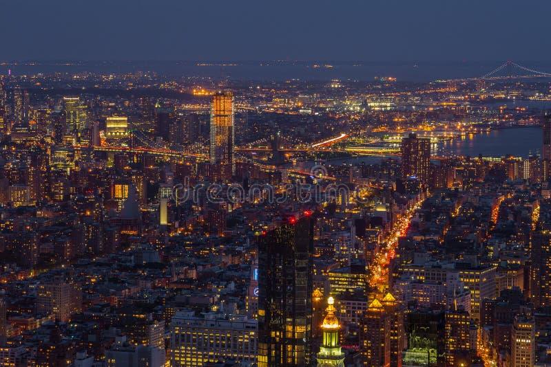 Vue aérienne de Manhattan la nuit, New York image libre de droits