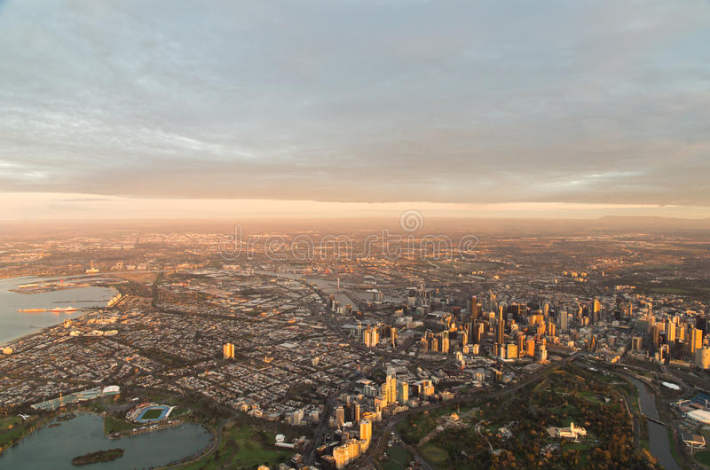 Vue aérienne de Melbourne, Australie à l'aube images libres de droits