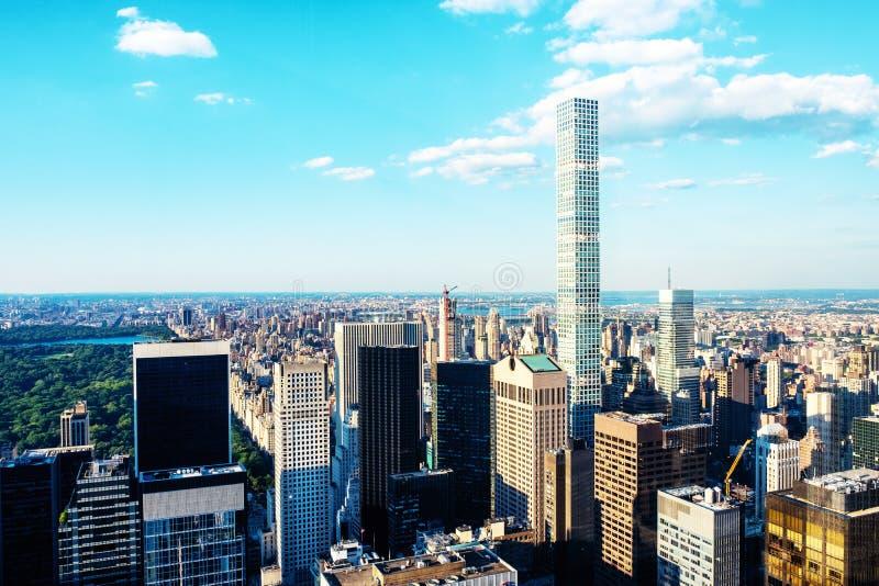 Vue aérienne de Midtown de Manhattan à New York, Etats-Unis Gratte-ciel modernes photo libre de droits