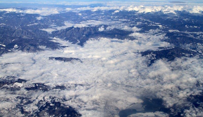 Vue aérienne de montagnes d'Alpes photo stock
