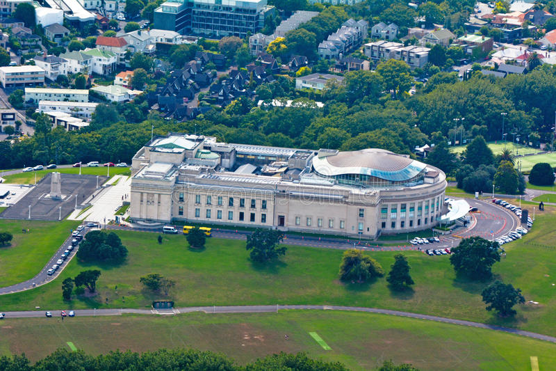 Vue aérienne de musée de mémorial de guerre d'Auckland image libre de droits