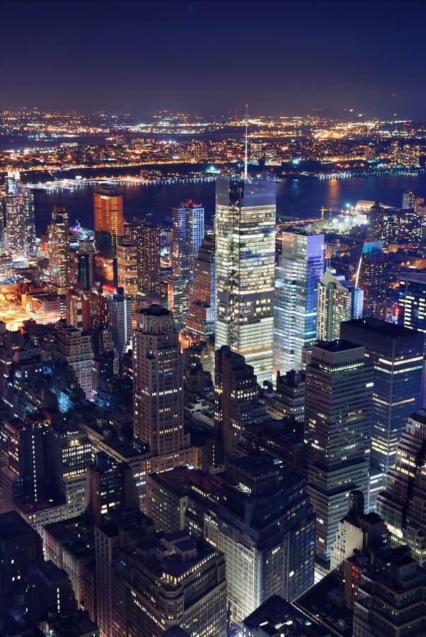 Vue aérienne de New York City la nuit photographie stock libre de droits