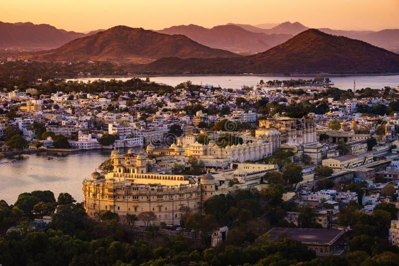 Vue aérienne de palais de ville du ` s d'Udaipur photographie stock libre de droits