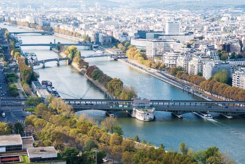 Vue aérienne de Paris. La Seine. Automne. image libre de droits