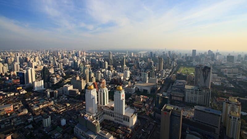 Vue aérienne de paysage urbain des constructions modernes d'horizon photographie stock libre de droits