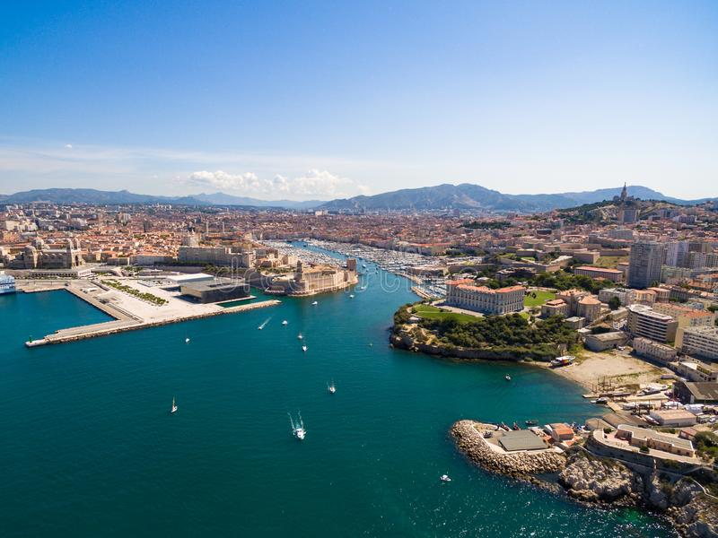 Vue aérienne de pilier de Marseille - port de Vieux, château de Jean de saint, a photos stock