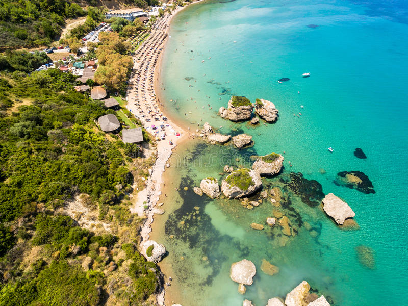 Vue aérienne de plage de Porto Zorro Azzurro dans Zakynthos Zante photos stock