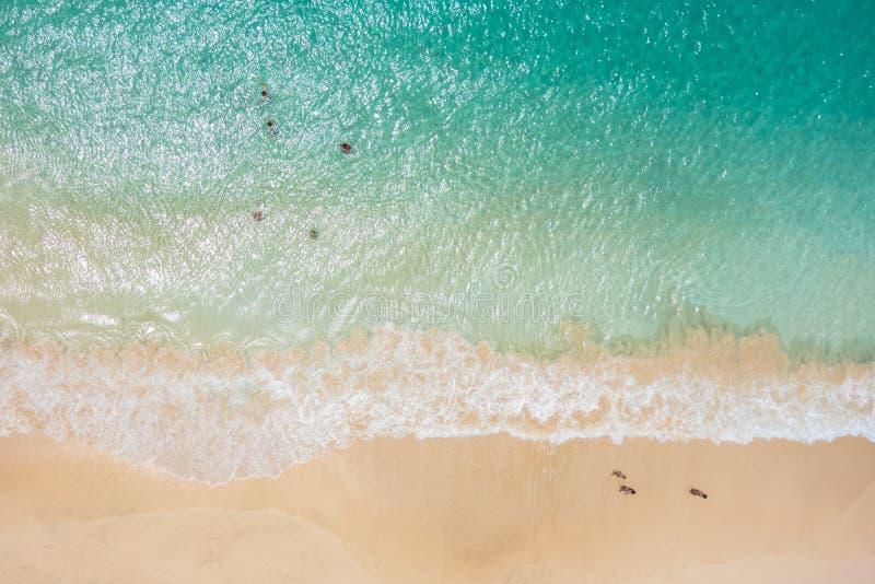 Vue aérienne de plage de Santa Maria en île de sel Cap Vert - Cabo photographie stock libre de droits