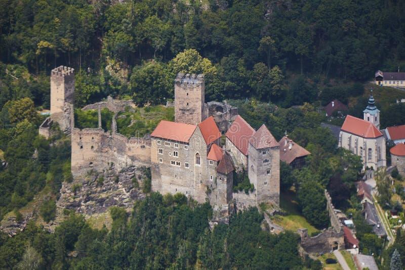 Vue aérienne de plan rapproché de château médiéval Hardegg en Autriche photo stock