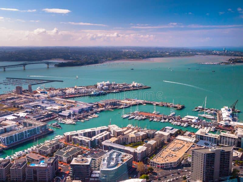 Vue aérienne de port d'Auckland photographie stock libre de droits