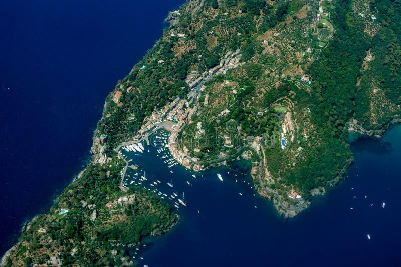 Vue aérienne de Portofino Italie d'avion photo libre de droits