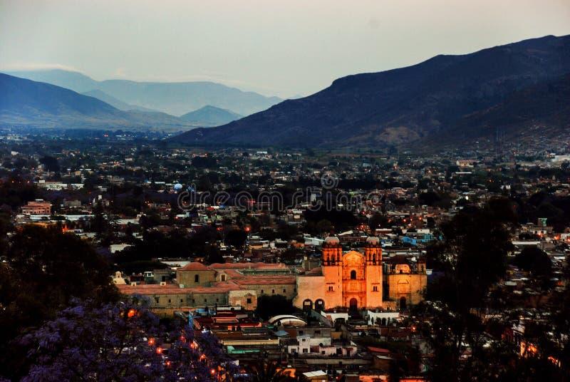 Vue aérienne de Puebla, Mexique au coucher du soleil Montagnes au fond photos libres de droits