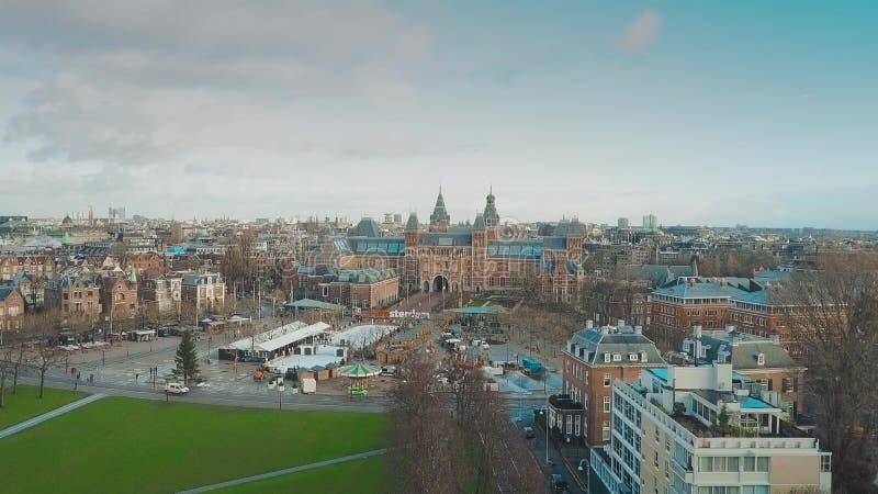 Vue aérienne de quart célèbre de musée d'Amsterdam ou de Museumplein, Pays-Bas image stock