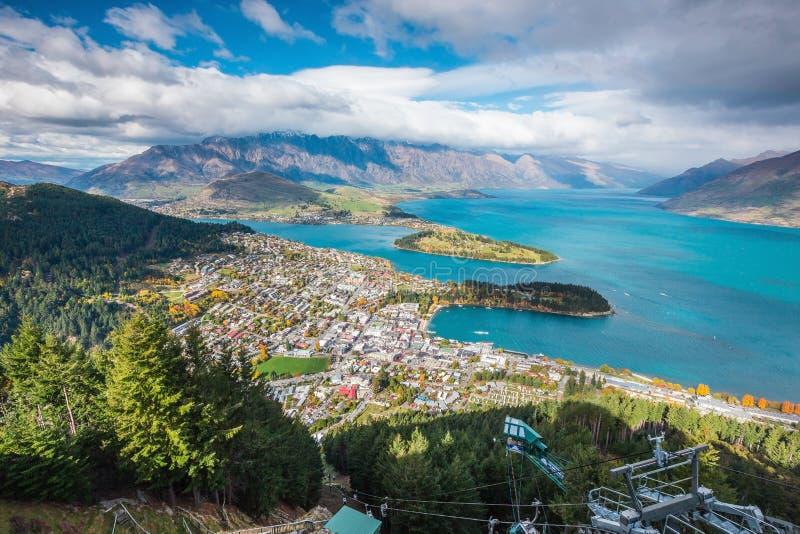 Vue aérienne de Queenstown en île du sud, Nouvelle-Zélande photos stock