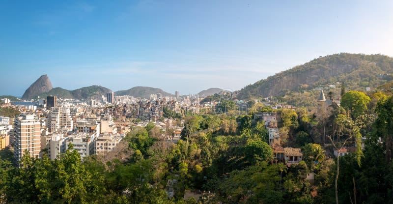 Vue aérienne de Rio de Janeiro et de Sugar Loaf Mountain du centre de Santa Teresa Hill - Rio de Janeiro, Brésil photographie stock libre de droits
