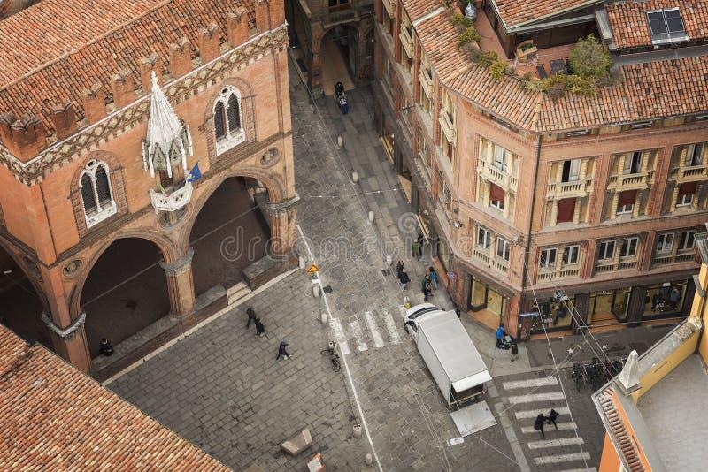 Vue aérienne de rue de Bologna photographie stock libre de droits