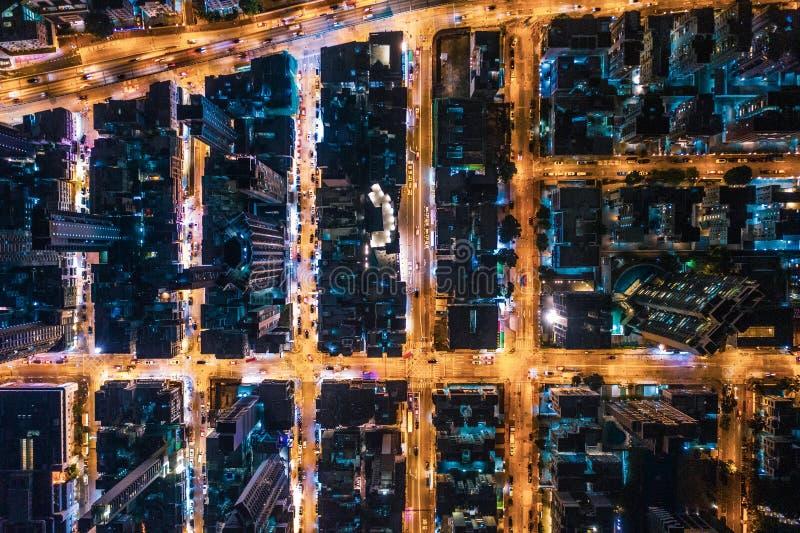 Vue aérienne de rue la nuit, Hong Kong images stock