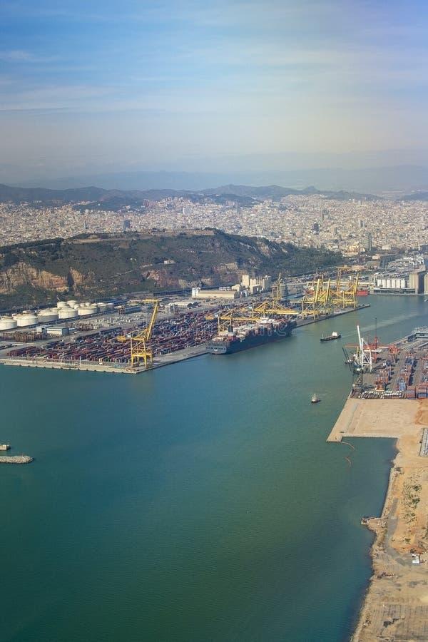 Vue aérienne de stockage Barcelone de dépôts de gas et de pétrole de pétrole images stock