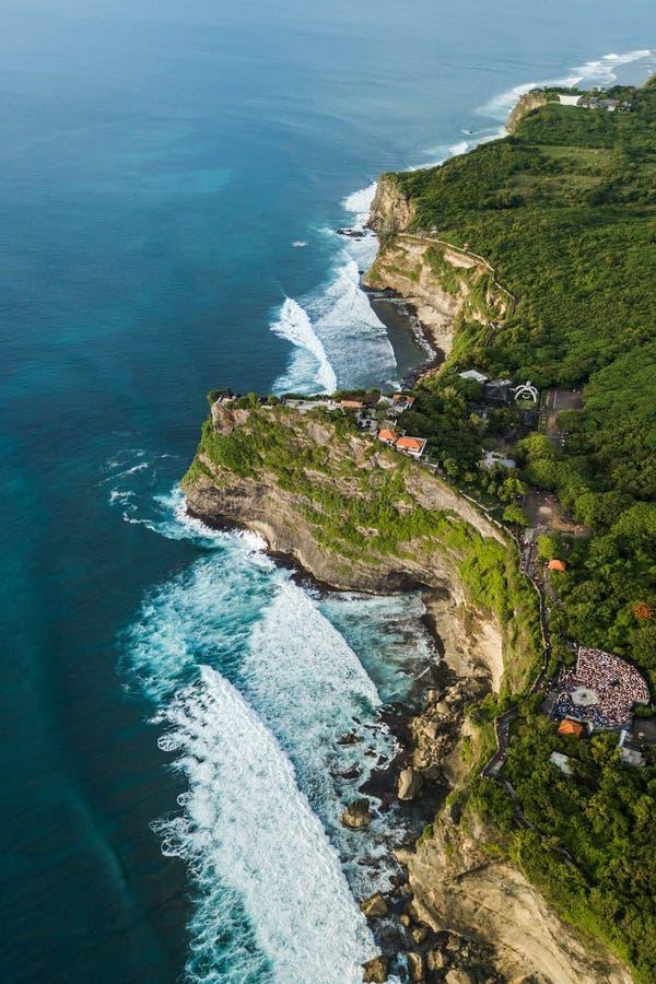 Vue aérienne de temple d'Uluwatu dans Bali, Indonésie photos stock