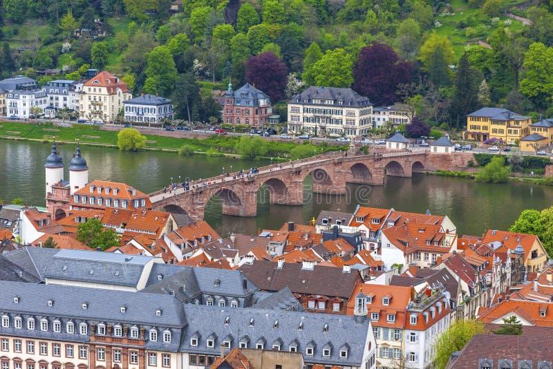 Vue aérienne de vieux pont dans la ville d'Heidelberg, Allemagne image libre de droits