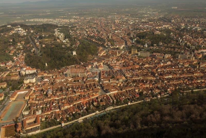 Vue aérienne de ville de Brasov, Roumanie photos libres de droits