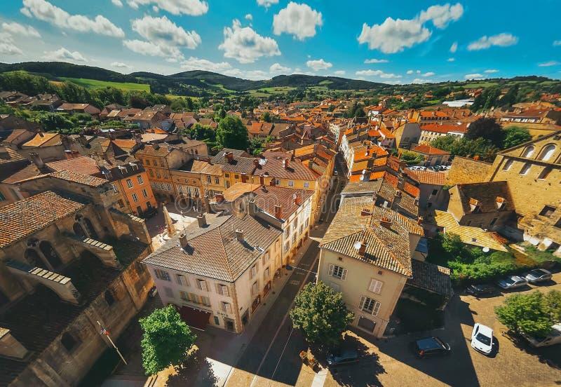 Vue aérienne de ville de Cluny dans les Frances photos libres de droits