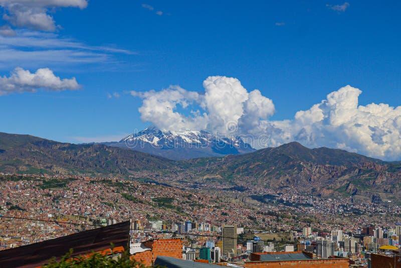 Vue aérienne de ville de La Paz en Bolivie images libres de droits