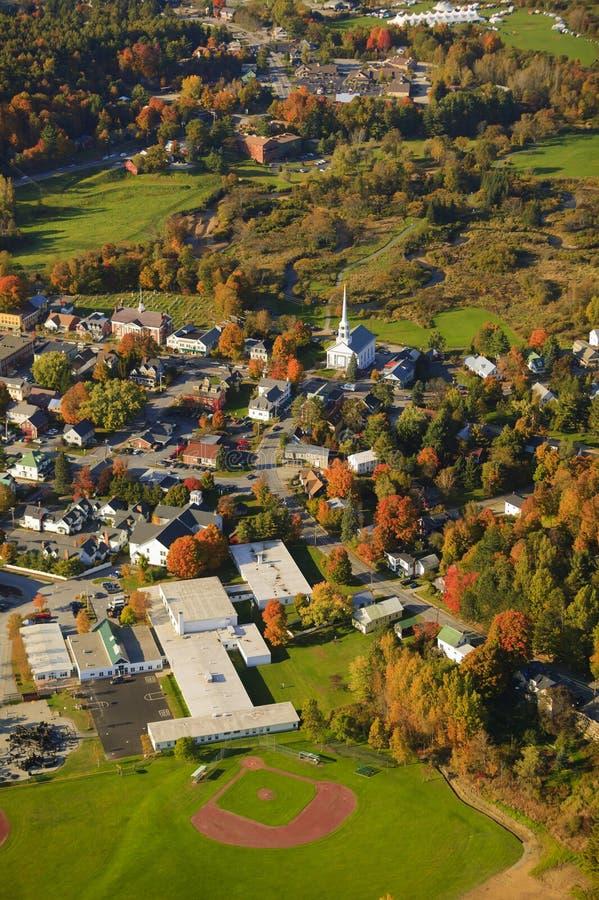 Vue aérienne de ville rurale du Vermont. photos stock