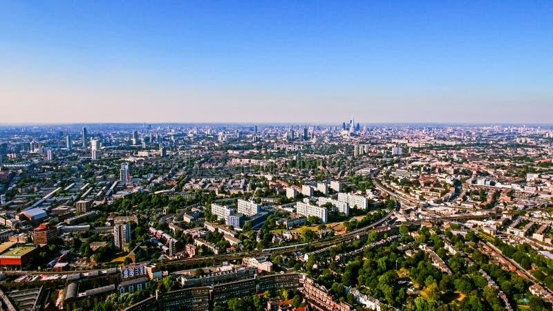 Vue aérienne de zone résidentielle urbaine dans la ville de Londres photos libres de droits