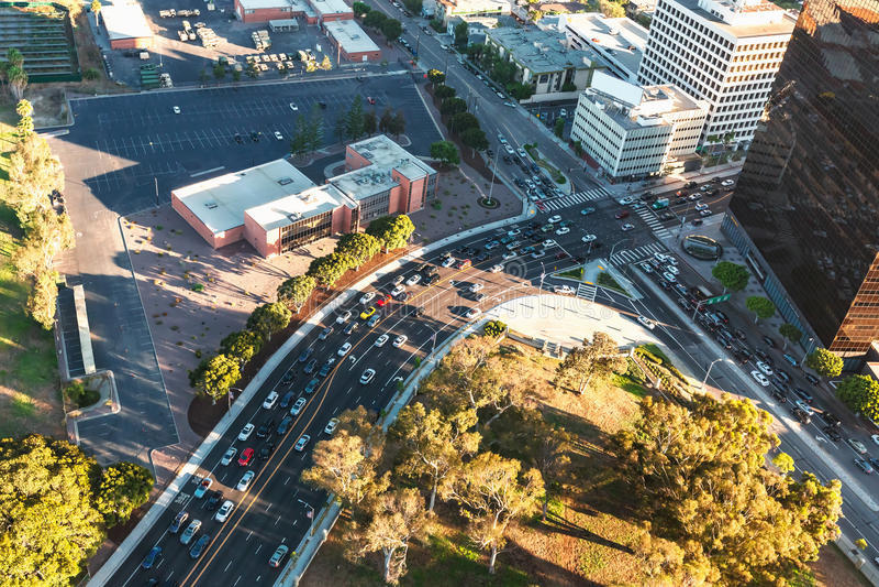 Vue aérienne des bâtiments dessus près du Bd. de Wilshire dans Westwood, LA photographie stock