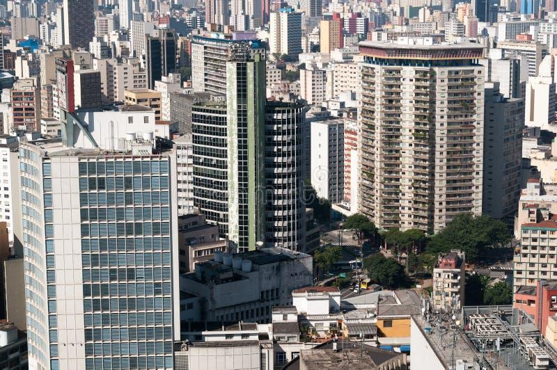 Vue aérienne des constructions dans la ville de Sao Paulo. image libre de droits