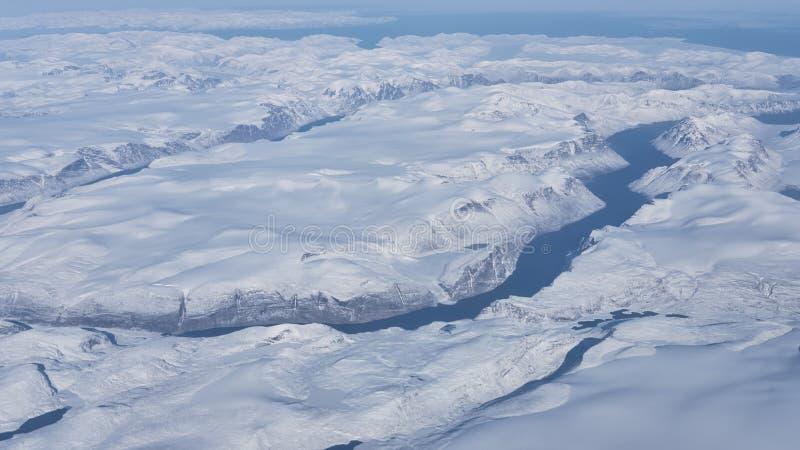 Vue aérienne des glaciers et des icebergs du Groenland photographie stock libre de droits
